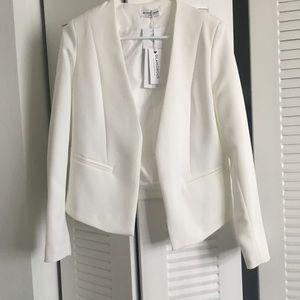 🌟 NWT White Open-Front Blazer 🌟
